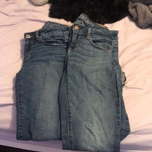 american eagle jeans SIZE 4 WORN ONCE